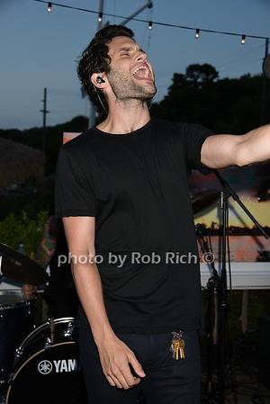 Penn Badgley photo by Rob Rich/SocietyAllure.com © 2015 robwayne1@aol.com 516-676-3939