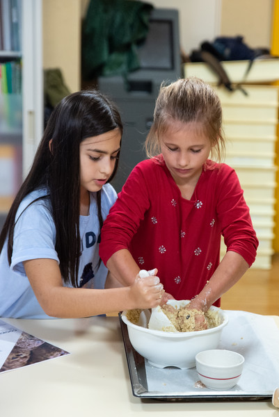 ES After School Activities-Cooking with Dragon Dining-ELP_2289-2018-19.jpg