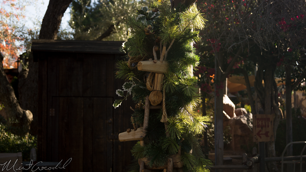 Disneyland Resort, Disneyland, Frontierland, Christmas, Christmas Time, Decorations, Decor, Decoration
