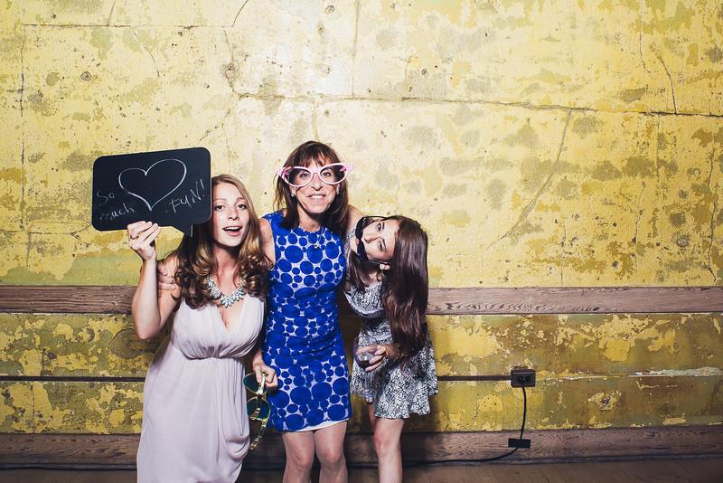 RachelJonPhotobooth-0027.jpg
