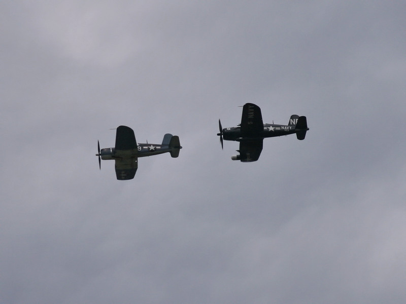 fighter_flyover__02_07142007.jpg