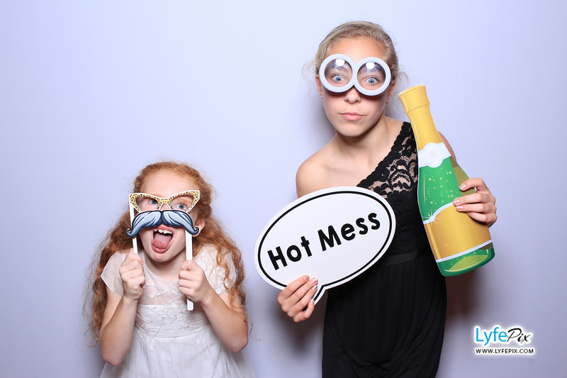 phoenix-maryland-wedding-photobooth-20171028-0350.jpg