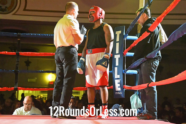 Bout 8:   Larry Davis II, Red Gloves, Old Angle, Cleveland, OH   -vs-   Anthony Hairston, Blue Gloves, Against The Ropes BC, Euclid, OH,  178 Lbs., Novice