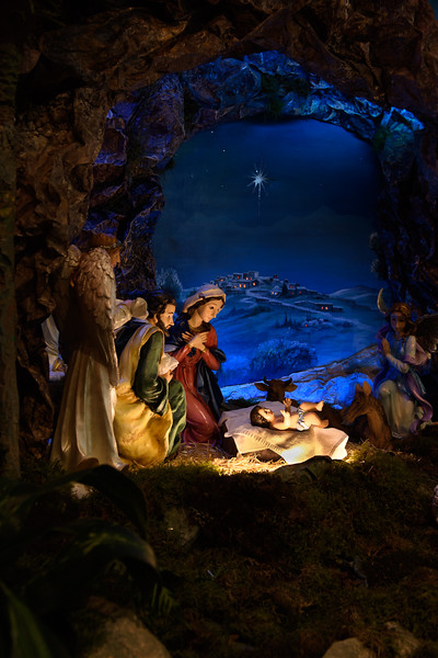2018 Christmas Decor_8835_300 DPI.JPG