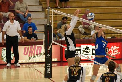 2011 09 09:  UMD Volleyball vs. Rollins College (FL), Duluth,