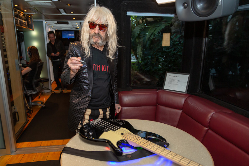 2019_01_26, Anaheim, Bass Off, Bus, CA, Derek Smalls, Interior, NAMM