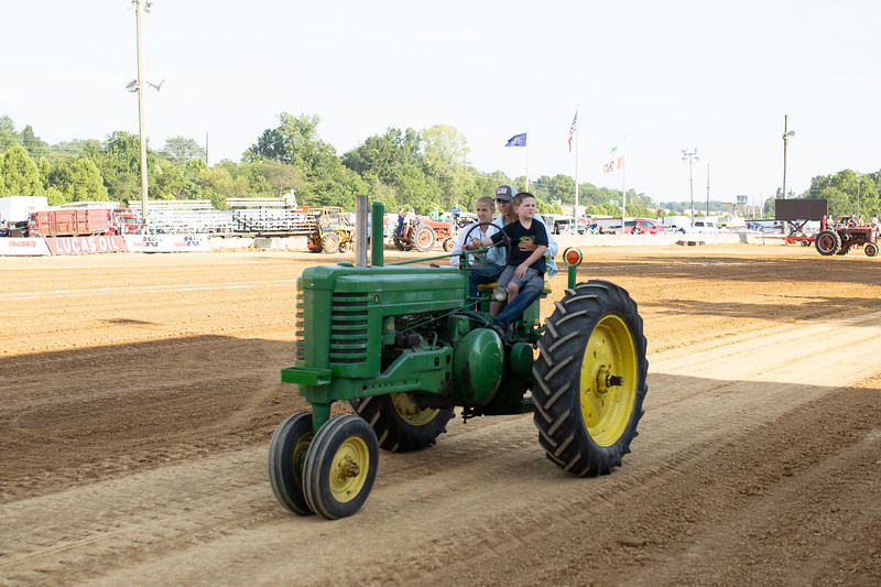Antique Tractor Parade-94.jpg