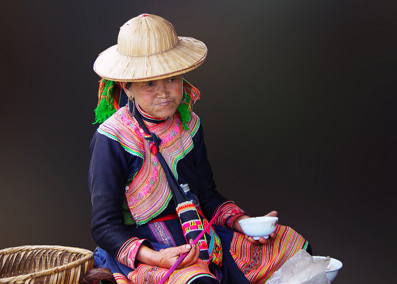 FLOWER HMONG LADY - BAC HA, VIETNAM
