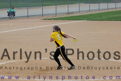 Hutch Softball vs Delano