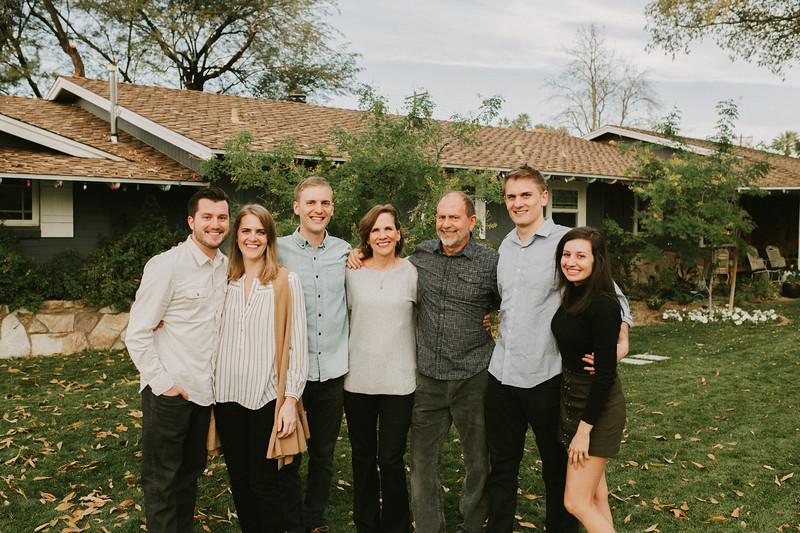 Aton Family 2017-0003.jpg