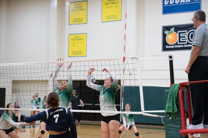 W-Volleyball-2018-10-03-6535.jpg