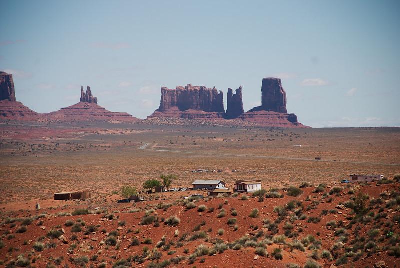 Rétt glittir í Brigham's Tomb, King on his throne, þá saman Stagecoach, Bear and Rabbit og lengst til hægri Castle Rock