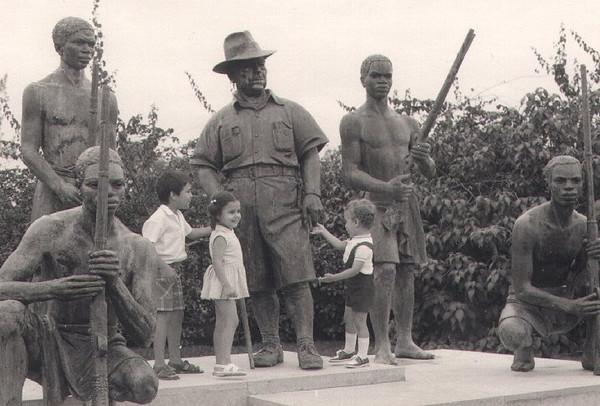 Estátua do Comandante Vilhena
