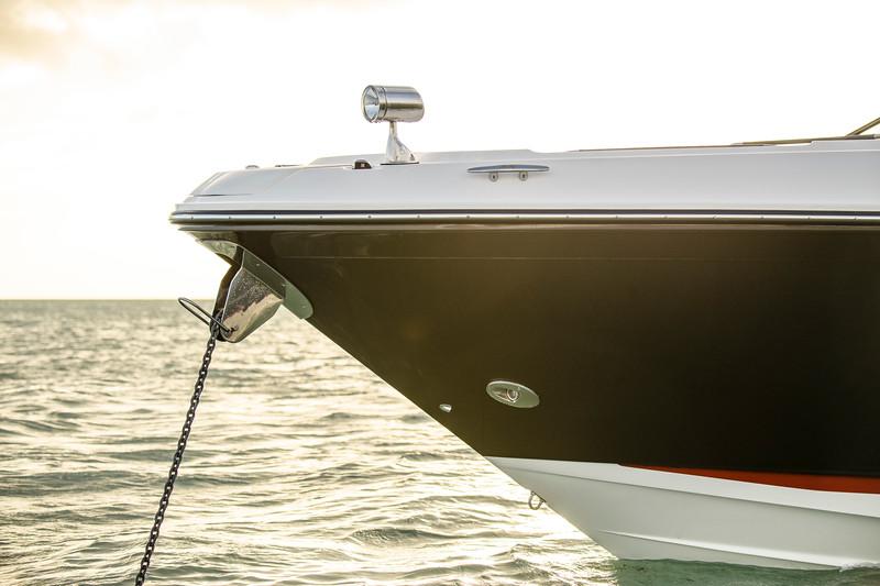 2020-SLX-R-400-e-Outboard-anchor-01.jpg