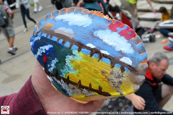 Paint a crab shell