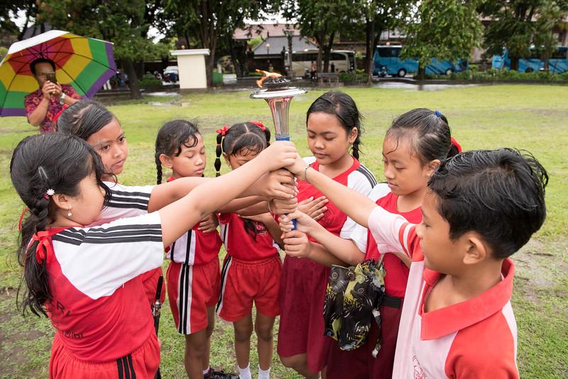 20170202_Peace Run Denpasar w_Mayor_235.jpg