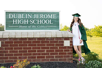 Madison's Cap + Gown Session