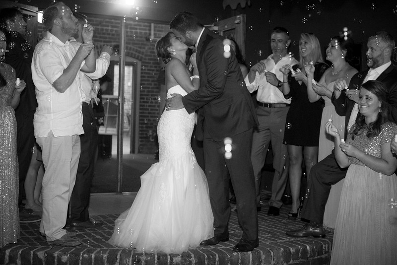 bubble-exit-knoxville-wedding (1 of 23).jpg