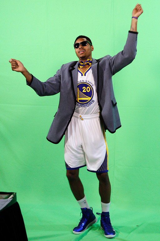 . Golden State Warriors\' Kent Bazemore dances for a video shoot during their NBA basketball media day at the team\'s training facility in Oakland, Calif., Monday, Oct. 1, 2012. (AP Photo/Jeff Chiu)