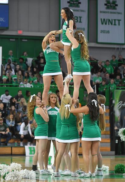cheerleaders4816.jpg