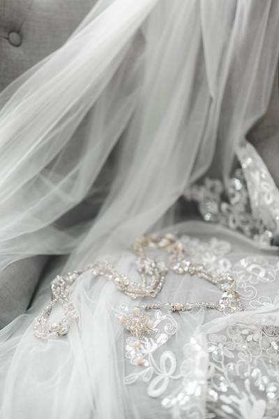 Alexandria Vail Photography Wedgewood Fresno Wedding Alexis   Dezmen124.jpg