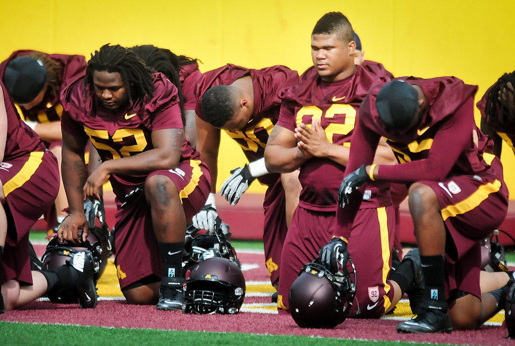 . A moment of silence during practice. (Pioneer Press: Ben Garvin)