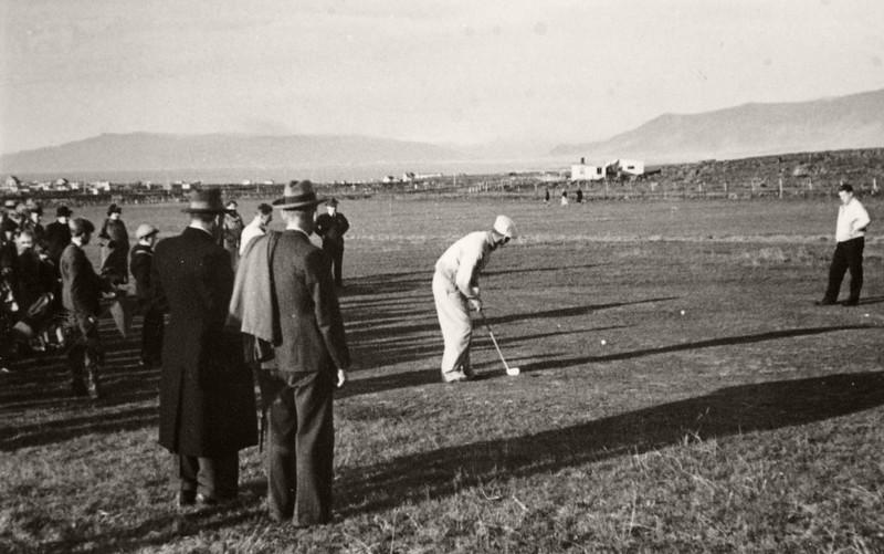 Púttað á 2. flöt 1938