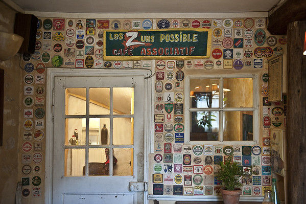 Le café associatif des Z'uns possible