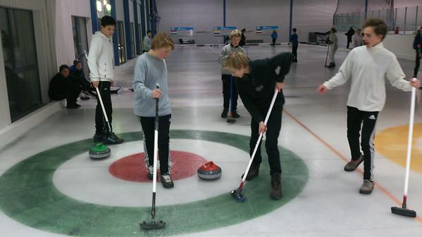 Curling med Ungdomsgruppen
