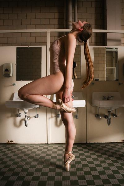 020820_MaaikeDesmedt_CASbathroom_OliviaMoonPhotography-20.jpg