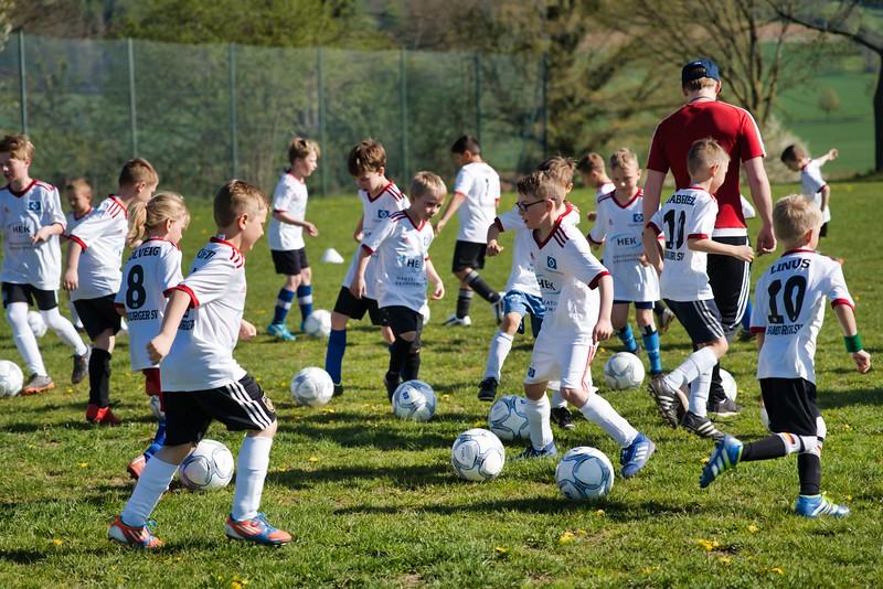 hsv-fussballschule---wochendendcamp-hannm-am-22-und-23042019-c-15_32787652297_o.jpg