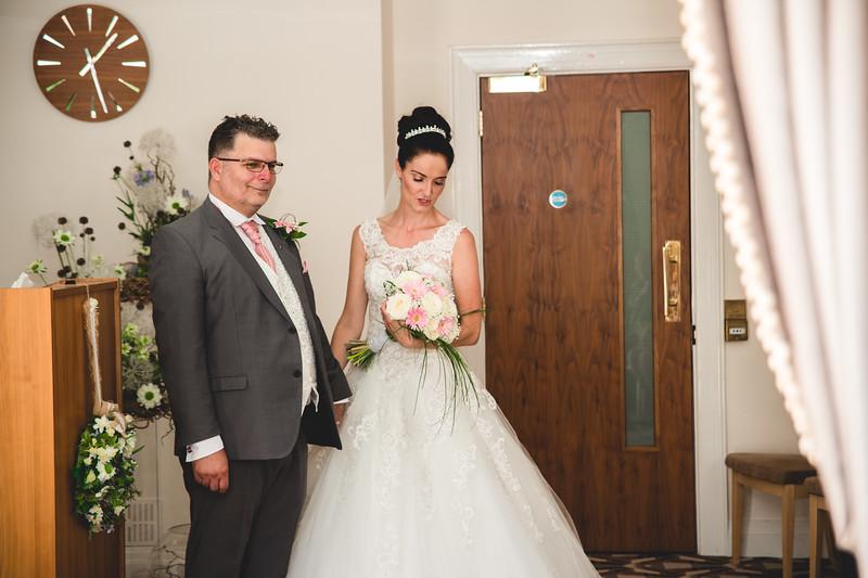 Mr & Mrs Hedges-Gale-67.jpg