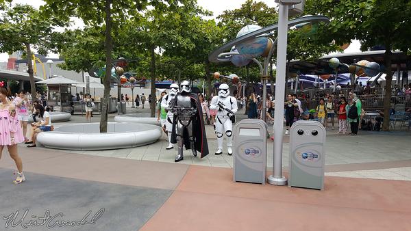 Disneyland Resort, Hong Kong Disneyland, Tomorrowland, Space, Mountain, Space Mountain, Hyper, HyperSpace Mountain, Star Wars, Star, Wars, Fast Pass, Fast, Pass, FastPass