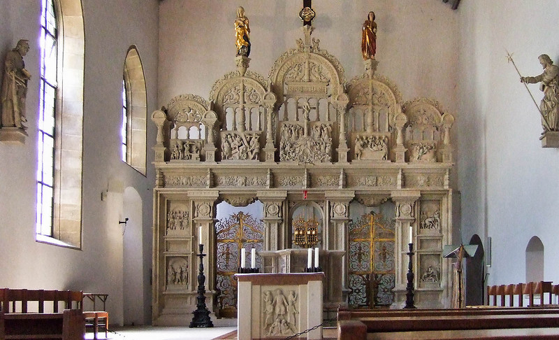Hildesheim, Dom. Antoniuskirche am Kreuzgang: ehem. Domlettner (Joh. Brabender, 1546)