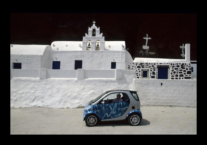 Smart Car on Santorini.jpg