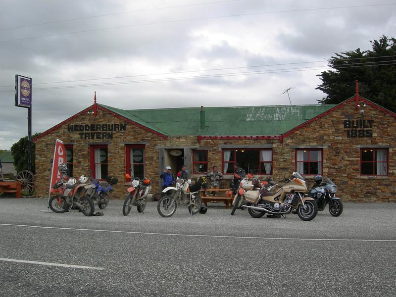 Wedderburn Pub.JPG