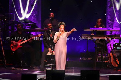 The Empress of Soul 7 time Grammy winner performs at the State Theater of New Jersey.
