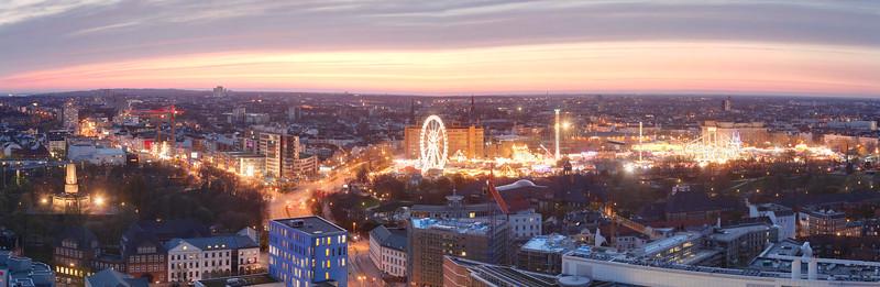 Aussicht vom Michel nach Norden mit Dom und Reeperbahn Hamburg