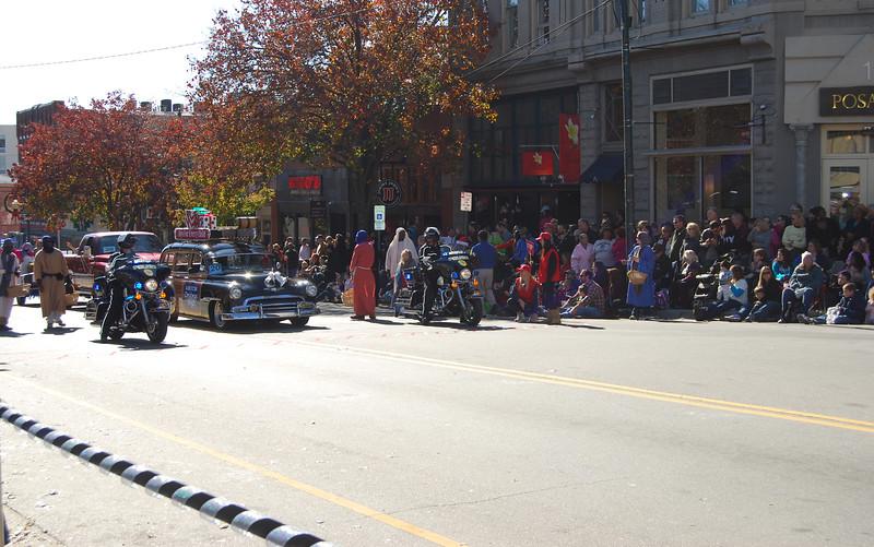 Parade 562.jpg