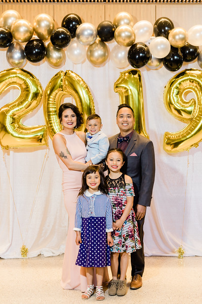 2019-05-23_MaxRadyCollegeofMedicine2019_GraduationDinner062.jpg
