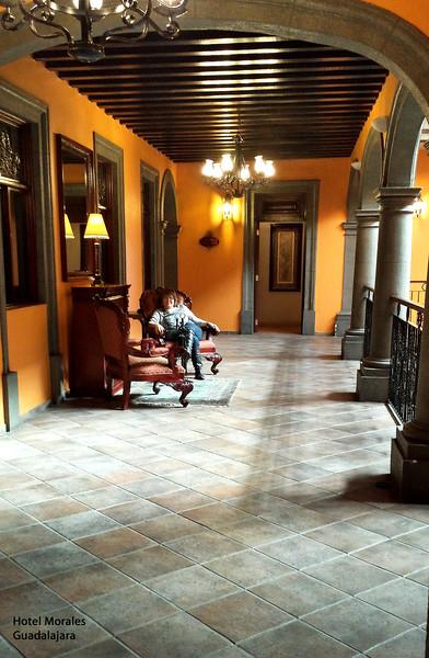 20141024_005810_T crp Mima in corridor Hotel Morales, Guad.jpg