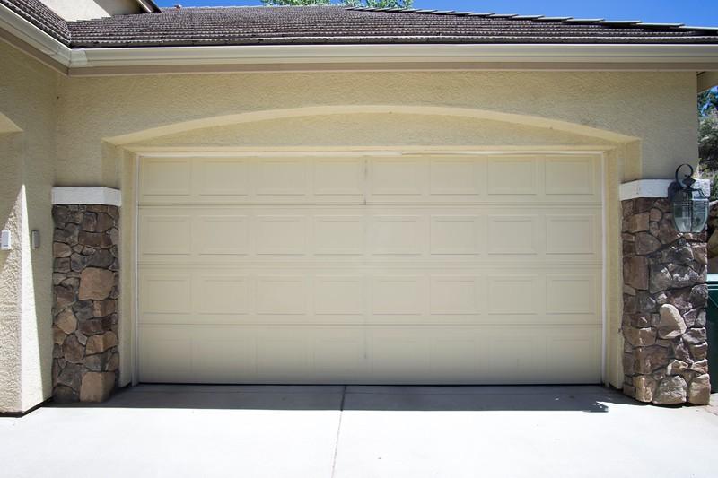 garage b.jpg