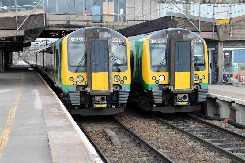 350235 & 350236 on local stoppers make a rare photo oppertunity.