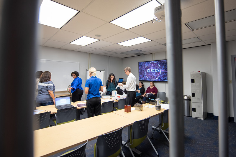2018_1109_LibraryEscapeRoom-Provost-0136.jpg