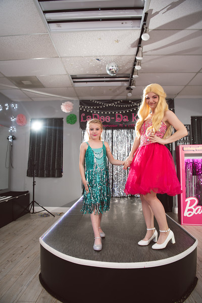 2020-0104-delaney-barbie-party-81.jpg