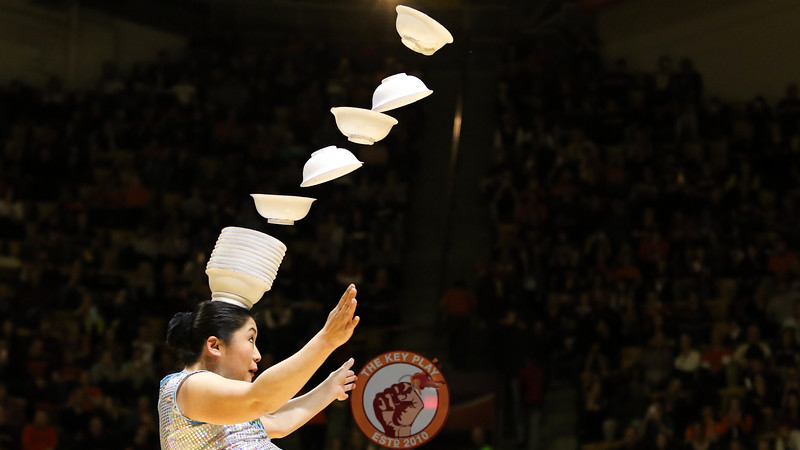Red Panda performs for the crowd during halftie. (Mark Umansky/TheKeyPlay.com)