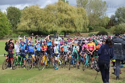 CX Milton Keynes   Womens race