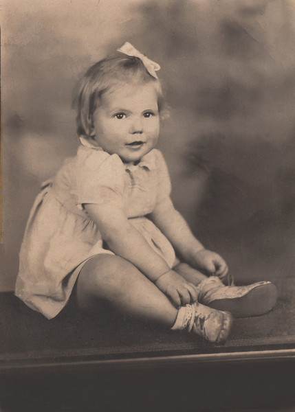 Mary Carver (Griffin) 11 Months Christams 1947.jpg