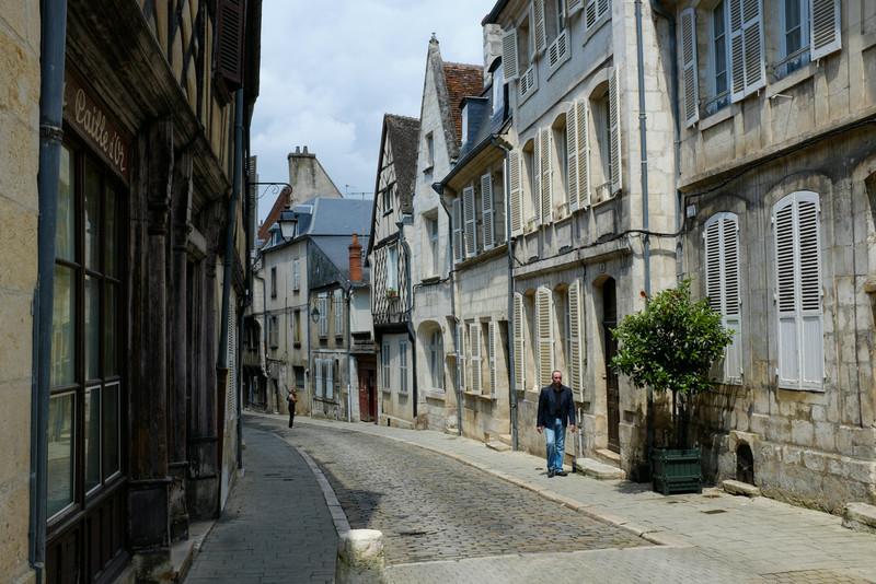 Rue typique au centre de Bourges