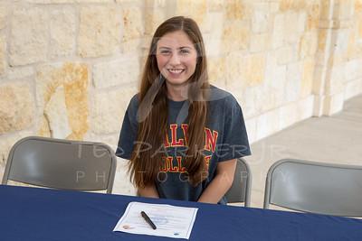 2015-04-22 Elysa Wolf Signing